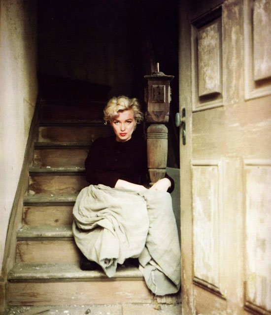 http://www.rom1.fr/chris_blog/wp-content/uploads/2012/01/marilyn_monroe_milton_greene_3.jpg