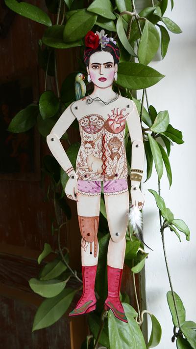 frida_kahlo_marionnette_1